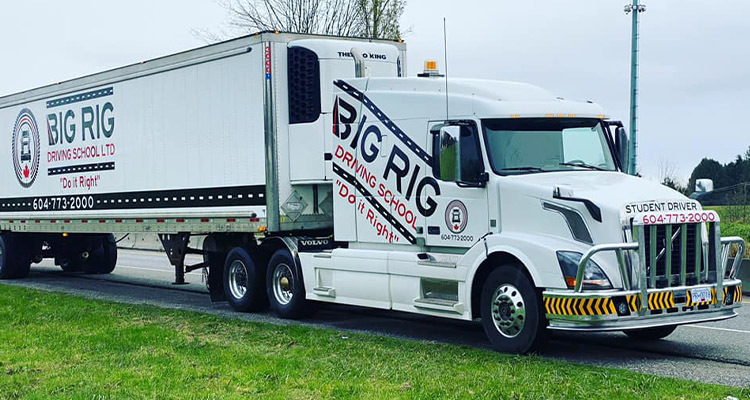 Top 3 Benefits Of Attending A Professional Truck Driving School